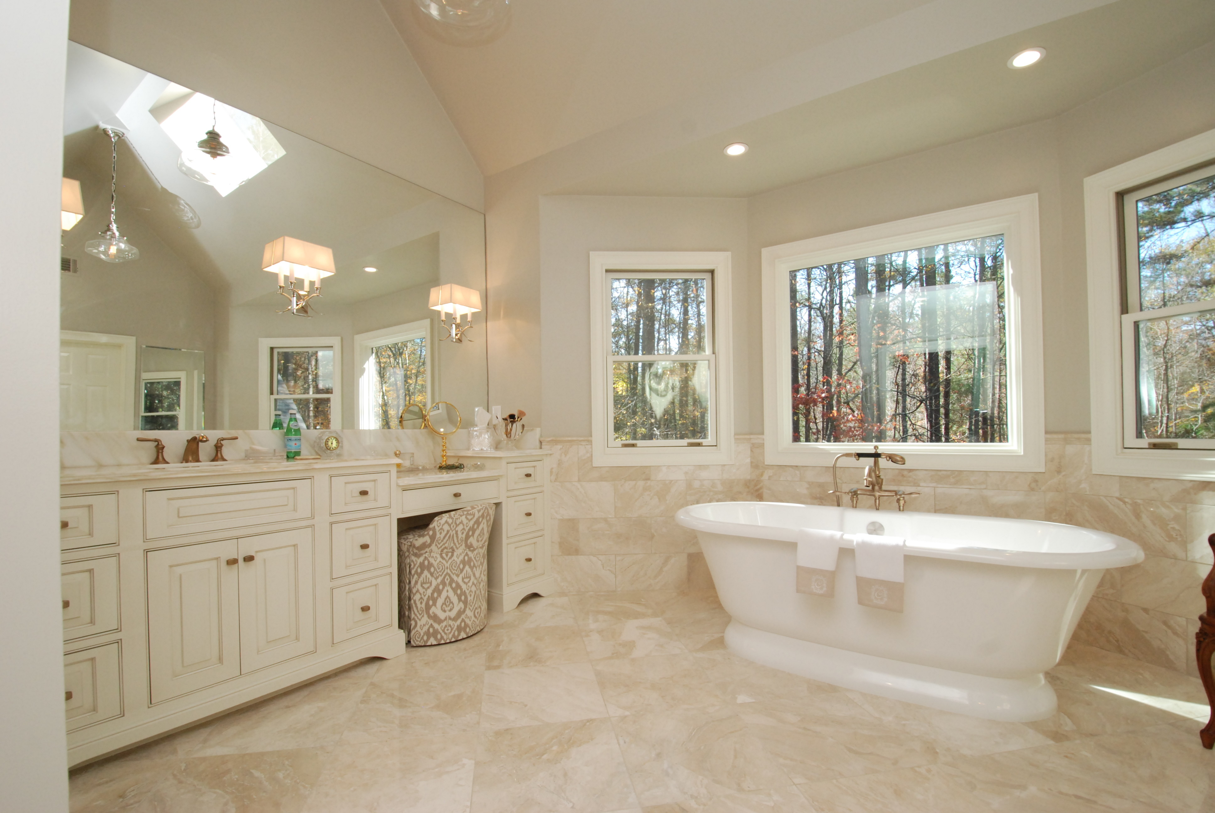 Elegant master bathroom overview momentum construction for Elegant master bathrooms pictures